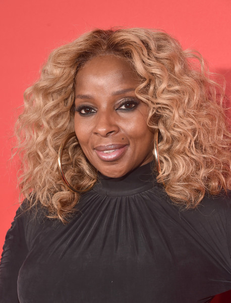 Mary J. Blige Medium Curls [what men want,bet films,hair,face,hairstyle,ringlet,blond,eyebrow,chin,beauty,long hair,human,mary j. blige,california,regency village theatre,paramount pictures,westwood,red carpet,premiere]