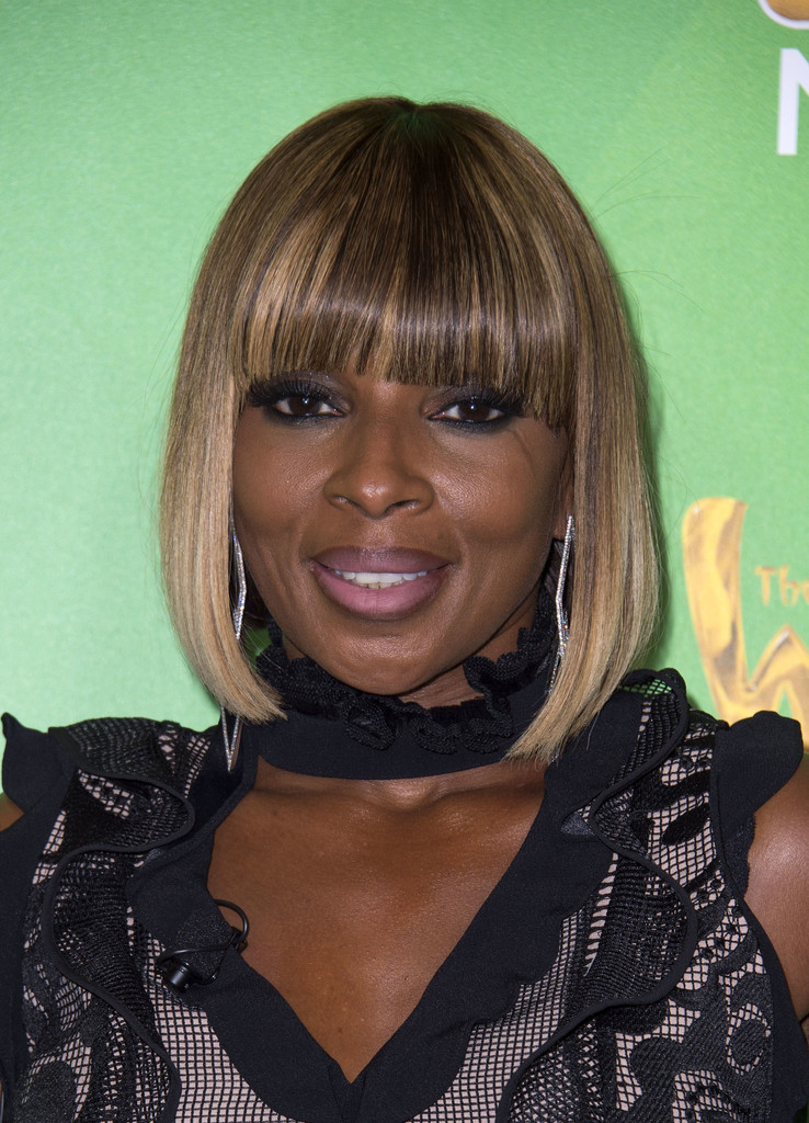Mary J Blige Pageboy Shoulder Length Hairstyles