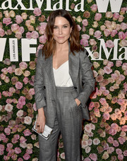 Sophia Bush arrived for the 2017 Face of the Future event carrying a marbled hard-case clutch.