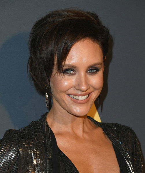 More Pics of Nicky Whelan Bob (1 of 6) - Nicky Whelan Lookbook - StyleBistro [the maxim hot 100,hair,face,hairstyle,eyebrow,chin,forehead,smile,black hair,lip,layered hair,arrivals,nicky whelan,experience,maxim hot 100,hollywood palladium,los angeles,california]