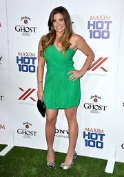 Danielle Fishel rocked a bold Kelly green dress that featured draping detailing.