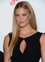 Bar Refaeli arrived at the 'Maxim' Hot 100 party wearing her long hair in a sleek all-one-length style.