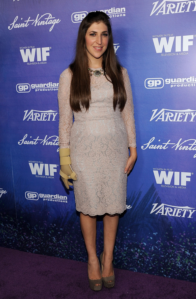 Mayim Bialik Cocktail Dress Mayim Bialik Looks Stylebistro