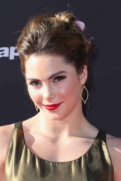 McKayla Maroney Bobby Pinned updo