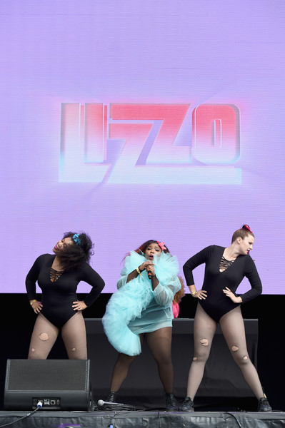 More Pics of Lizzo Cover-up (5 of 12) - Lizzo Lookbook - StyleBistro [performance,leg,pink,stage,fashion,thigh,dancer,performing arts,human body,dance,new york city,citi field,meadows music and arts festival,lizzo]
