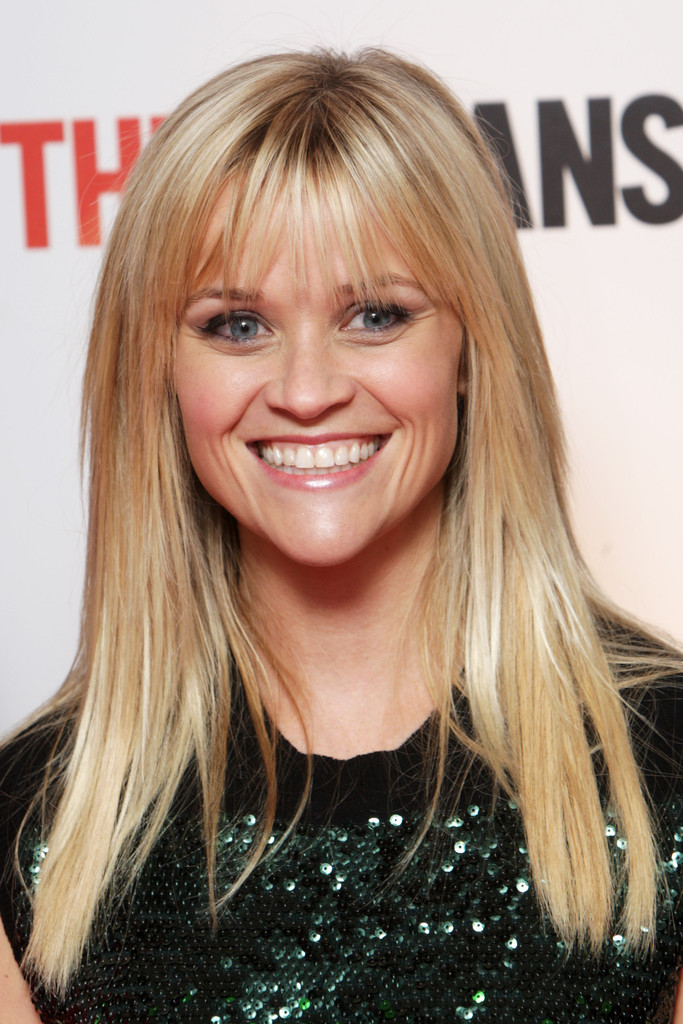 Reese Witherspoon S Long Straight Haircut With Bangs The
