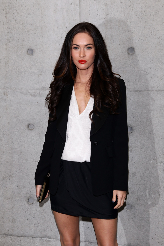 Megan Fox Long Curls Megan Fox Looks Stylebistro