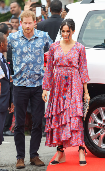 Meghan Markle Wrap Dress [fashion,flooring,carpet,girl,harry,meghan markle,sussex,fiji,duchess,cities,duke of sussex,university of the south pacific,duke and duchess of sussex visit,tour,meghan duchess of sussex,prince harry,wedding of prince harry and meghan markle,duke of sussex,british royal family,the university of the south pacific,fiji one]