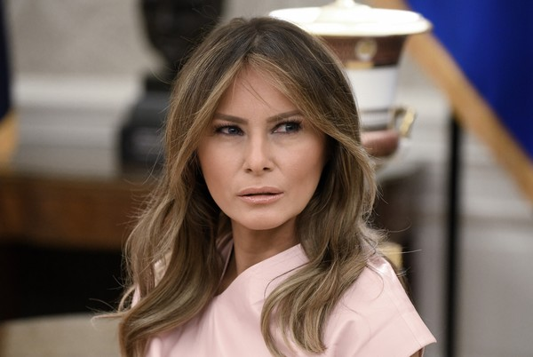 Melania Trump Nude Lipstick [hair,face,hairstyle,blond,beauty,eyebrow,long hair,lip,fashion,brown hair,rania of jordan,president,melania trump,abdullah ii,white house,washington dc,oval office,trump welcomes king abdullah,afp out,meeting]