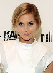 Leight Lezark proved with this nude lip that you don't always need a bright color to look good.