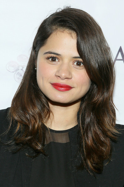 Melonie Diaz Long Wavy Cut