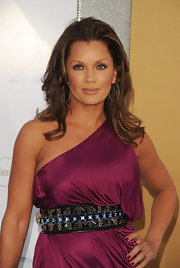 Vanessa Williams looked breathtaking on the red carpet. The ageless star showed off her shoulder length curls.