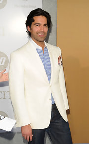 Brain Atwood showed off his cream blazer while hitting the 'Sex and the City 2' premiere.