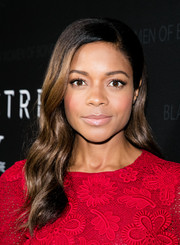 For her beauty look, Naomie Harris went subtle with a pale pink lip.