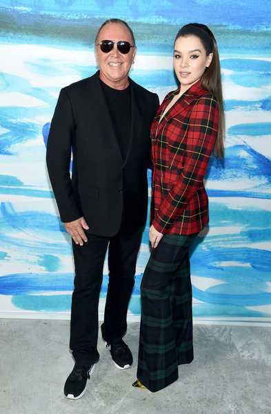 More Pics of Hailee Steinfeld Headband (1 of 16) - Hair Accessories Lookbook - StyleBistro [suit,pattern,plaid,tartan,formal wear,design,fashion,textile,fun,photography,michael kors,hailee steinfeld,front row,new york city,pier 17,l,michael kors collection spring 2019 runway show]