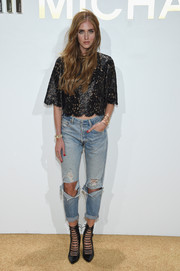 Chiara Ferragni teamed her top with a pair of distressed jeans.