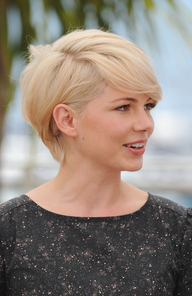 Michelle Williams Hair. Actress Michelle Williams attends the