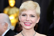 Michelle Williams' Adorable Pixie Haircut at the 2012 Oscars