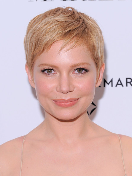 Michelle Williams Pixie [my week with marilyn,photo,face,hair,hairstyle,eyebrow,chin,blond,lip,skin,forehead,head,michelle williams,new york,the paris theatre,premiere,premiere]