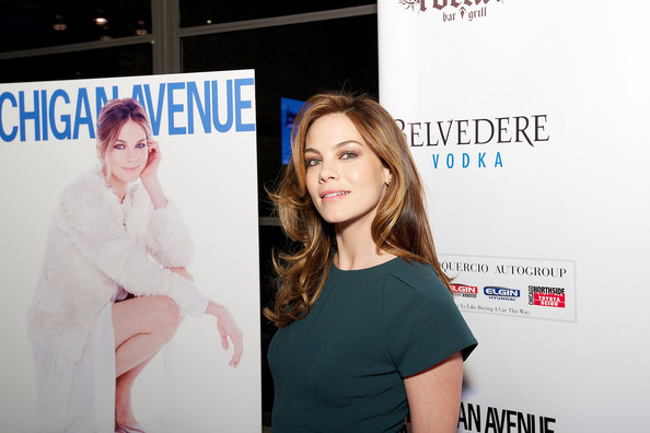 More Pics of Michelle Monaghan Envelope Clutch  (7 of 24) - Clutches Lookbook - StyleBistro []