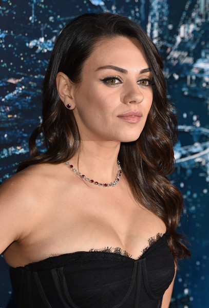 Mila Kunis Long Wavy Cut [jupiter ascending,hair,lady,beauty,hairstyle,lip,black hair,brown hair,long hair,dress,shoulder,red carpet,mila kunis,california,hollywood,tcl chinese theatre,warner bros. pictures,premiere,premiere]