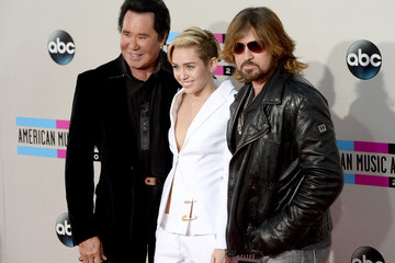 Miley Cyrus Billy Ray Cyrus Arrivals at the American Music Awards — Part 3