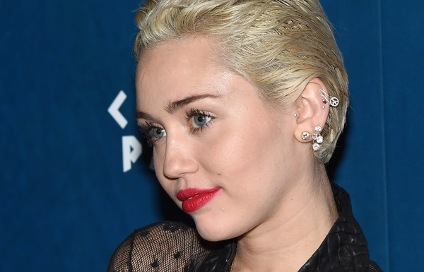 Miley Cyrus Dangling Diamond Earrings