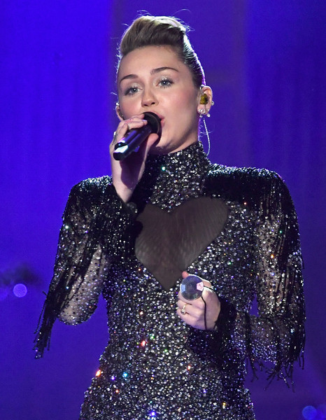 Miley Cyrus Statement Ring [night 2 - show,performance,music artist,entertainment,singer,performing arts,singing,song,music,event,pop music,miley cyrus,las vegas,nevada,t-mobile arena,iheartradio music festival]