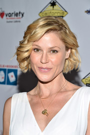 Julie Bowen topped off her look with a cute curled-out bob when she attended the Milk + Bookies Story Time celebration.