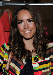 Louise Roe wore her medium brown locks in bouncy shiny ringlets at the Milly Fall 2011 show.