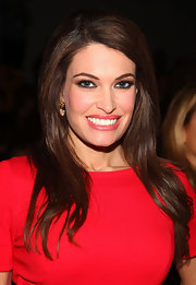 Kimberly Guilfoyle looked flawless at the Milly by Michelle Smith fashion show wearing a high-volume side-parted 'do.