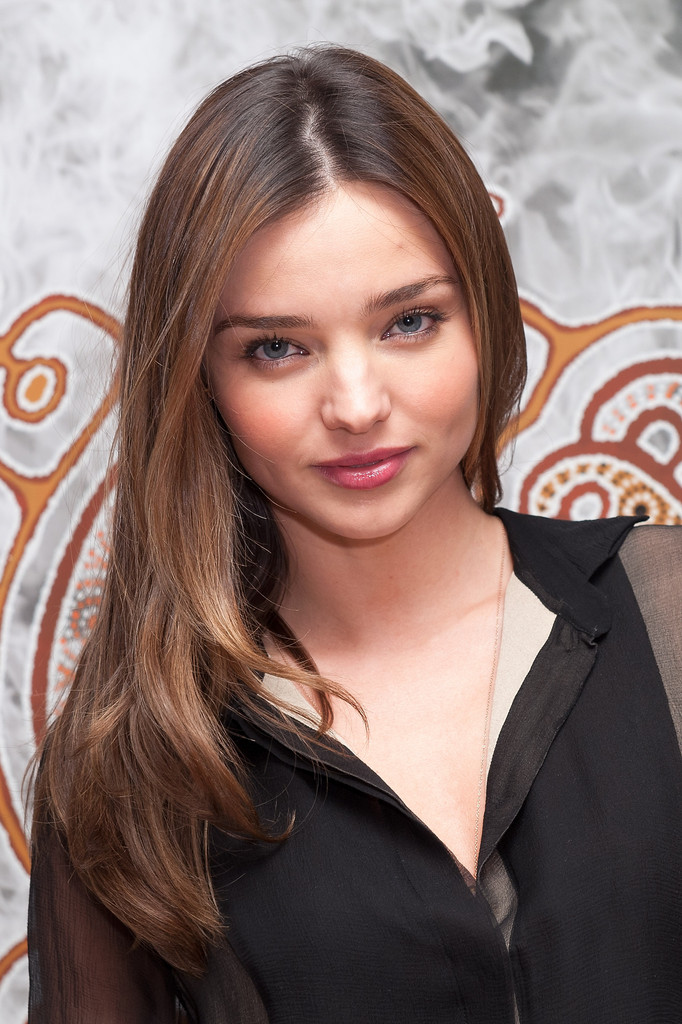 Miranda Kerr Long Straight Cut Miranda Kerr Hair Looks Stylebistro