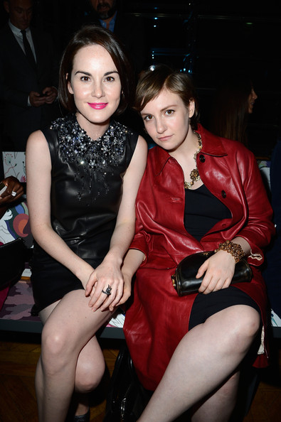 More Pics of Lena Dunham Leather Clutch (1 of 7) - Lena Dunham Lookbook - StyleBistro