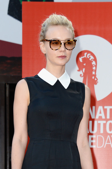 More Pics of Carey Mulligan Round Sunglasses (1 of 11) - Carey Mulligan Lookbook - StyleBistro