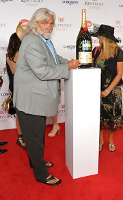 Bill Wichrowski looked a little too relaxed on the Kentucky Derby red carpet in thong sandals.