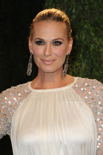 Molly Sims Clothes