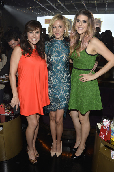 Molly Tarlov Mini Dress [tv guide magazine,event,fashion,lady,dress,leg,thigh,cocktail dress,party,actors,molly tarlov,desi lydic,nikki deloach,l-r,california,hollywood,emerson theatre,hot list party]