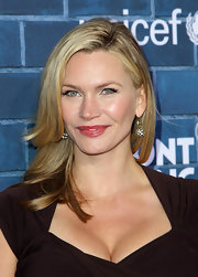 Natasha Henstridge looked effortlessly elegant in a sleek long straight cut at a Montblanc and UNICEF event.