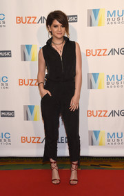 Maren Morris went for an edgy zip-front jumpsuit at the Music Biz 2017.