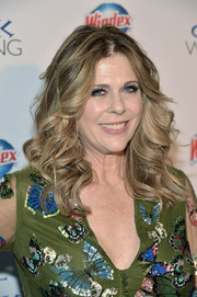 Rita Wilson sported stylish face-framing curls at the New York premiere of 'My Big Fat Greek Wedding 2.'