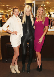 Jennifer Hawkins sizzled at the Myer on Bourke 100 year celebration in black suede Fastissima ankle boots.
