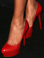 Sanaa's red heels gave her red carpet look a bright and flirty vibe.