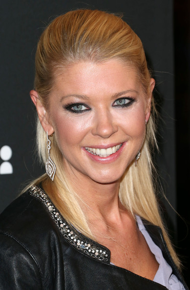 More Pics of Tara Reid Half Up Half Down (1 of 8) - Half Up Half Down Lookbook - StyleBistro