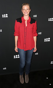 Amy Smart stuck to skinny jeans for the MySpace event in LA.