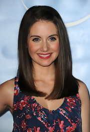 Alison Brie looked darling in glossy pink lipstick.