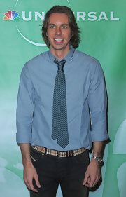 Dax Shepard accessorized with a Burberry belt at the Press Tour cocktail party.