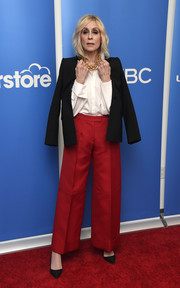 Judith Light layered a black blazer over a white button-down shirt for the 'Superstore' Academy FYC event.