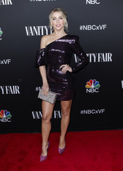 Julianne Hough looked party-ready in a shimmering purple off-the-shoulder dress by Alex Perry at the NBC and Vanity Fair celebration.
