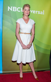 Katherine Heigl chose ochre Manolo Blahnik pumps to complete her red carpet look.