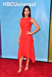 Jenna Dewan-Tatum was breezy-chic in a sleeveless red top by Reem Acra at the 2018 NBCUniversal Summer Press Day.